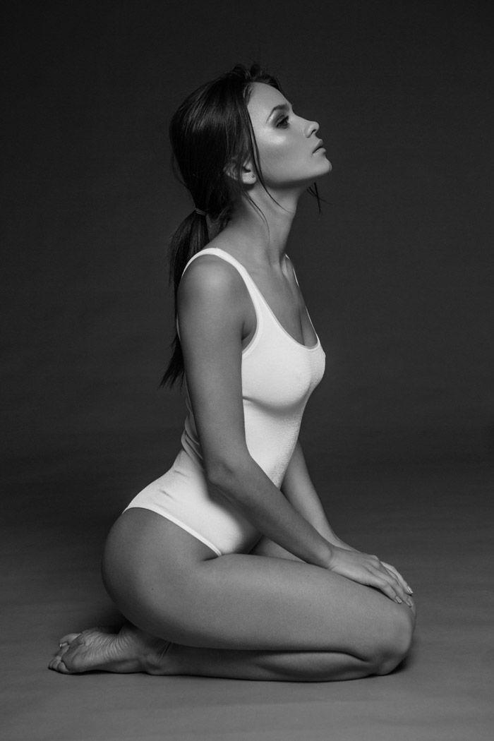 White mature women black tubes