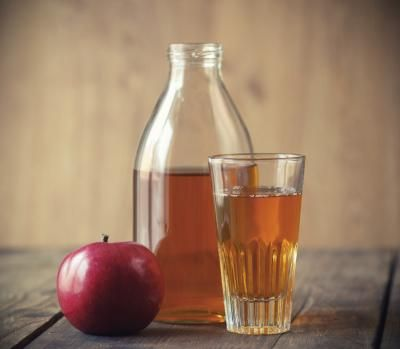 Easily Digestible Foods ListFruit and Beverages  Easily Digestible Foods List  Apple juice. Photo Credit Lecic/iStock/Getty Images   A bland diet includes low-acid juices such as apple, grape or pear. You can also drink herbal teas. Avoid highly acidic beverages such as regular teas, coffee, alcohol and caffeinated beverages. Eat two to three servings of cooked or canned fruit without skin or seeds. Allowed fruits include applesauce, bananas, apples, grapes or pears. Avoid berries with…