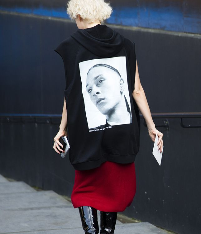Как Рианна, Рита Ора и другие модницы носят Raf Simons