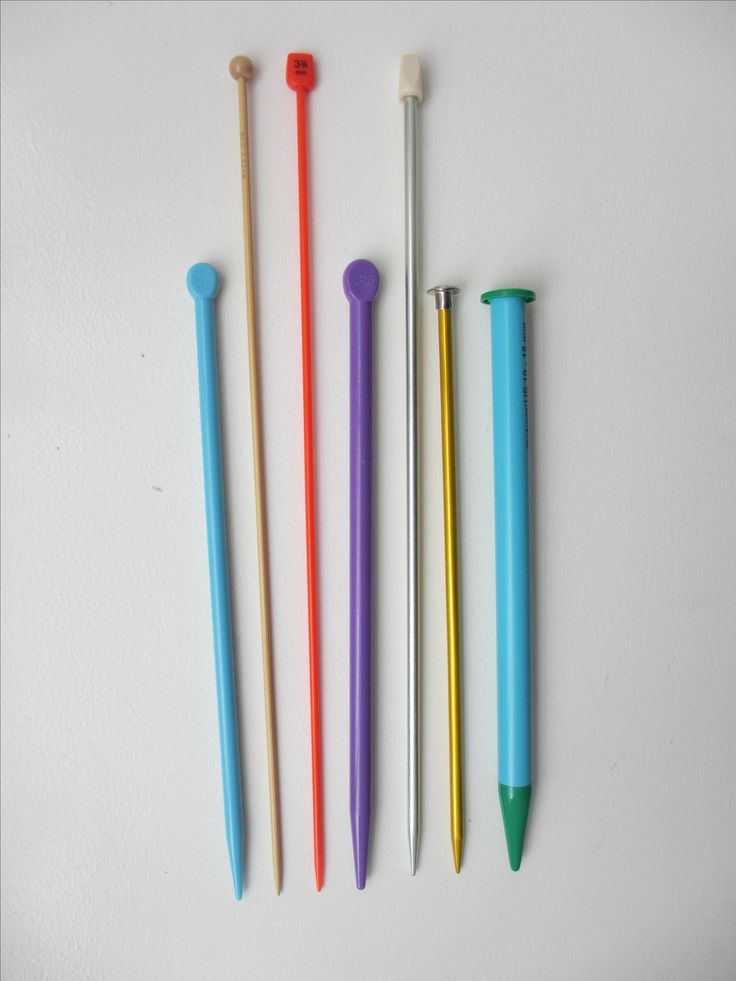 There are lots of choices when it comes to knitting needles. Here's a guide to what you need to know before you go crazy in the knitting needle section.