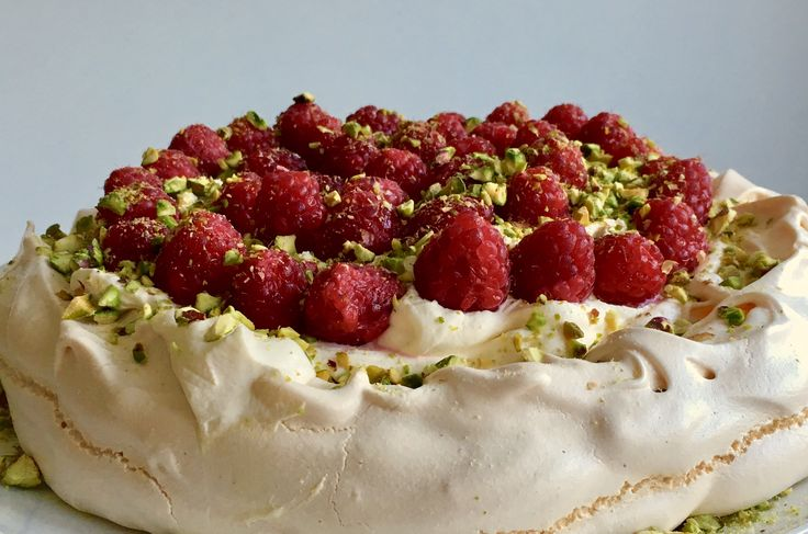 Basically a mound of sugar (albeit cut with some whipped cream and a handful of fruit), the pavlova has tooth fairies and private dentists rubbing their hands in glee. And Mary Berry has done the i…