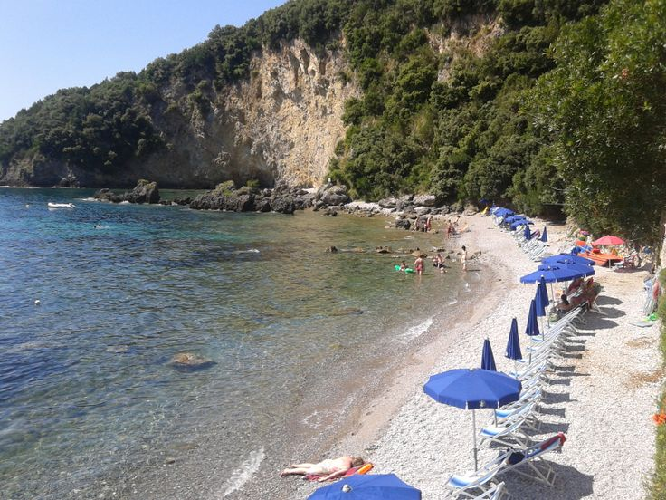 la spiaggia del resort la francesca sud