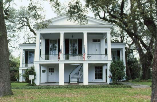 17 best images about southern tara 39 s old southern for Old southern style homes