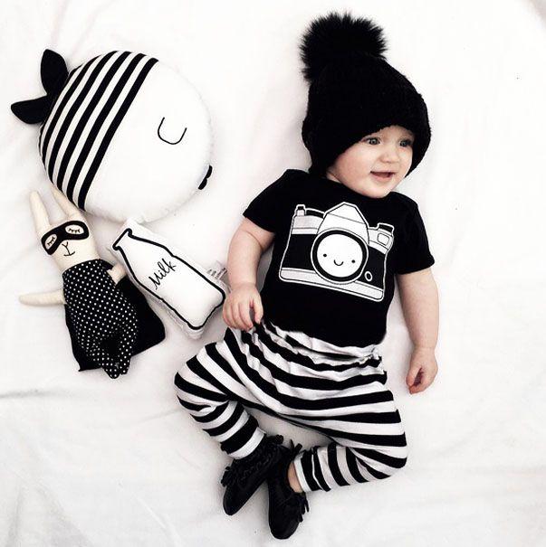 2016 новая девочка мальчик одежды камеры печать рисунок майка + pantsBlack и белые полосы ) 2 шт. костюм новорожденный комплект одежды купить на AliExpress