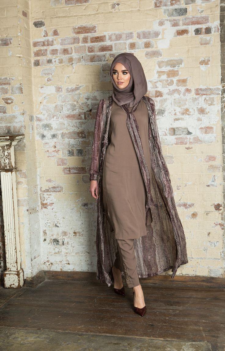 Hijab Fashion 2016/2017: Colour Me Kimono | Aab  Hijab Fashion 2016/2017: Sélection de looks tendances spécial voilées Look Descreption Colour Me Kimono | Aab