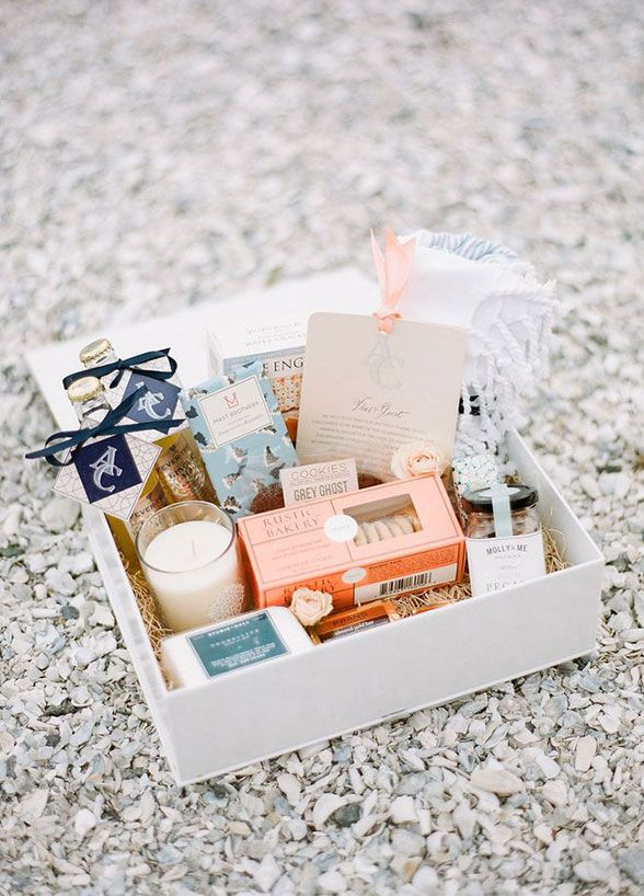 Welcome Bag Ideas From Personalized Refreshments To A Fragrant Candle Guests Will Appreciate Each Wedding Guest GiftsWedding