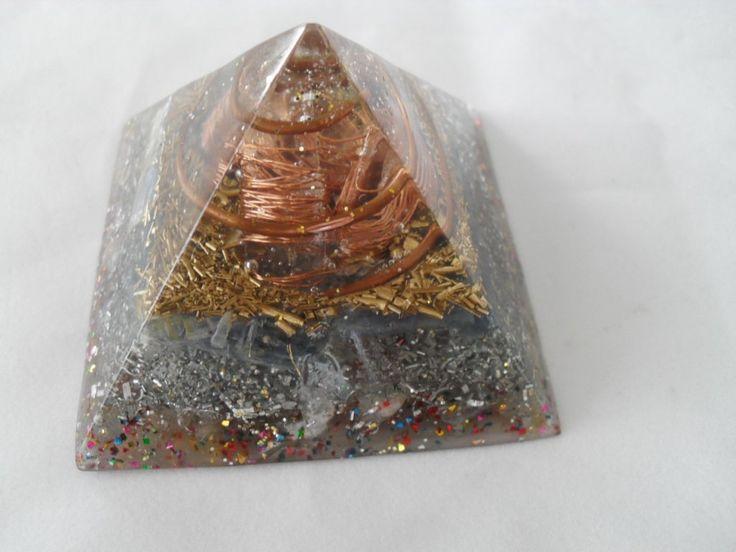 ORGONITE ENERGIA POSITIVA http://produto.mercadolivre.com.br/MLB-715979875-orgonite-piramide-queops-tamanho-m-_JM…
