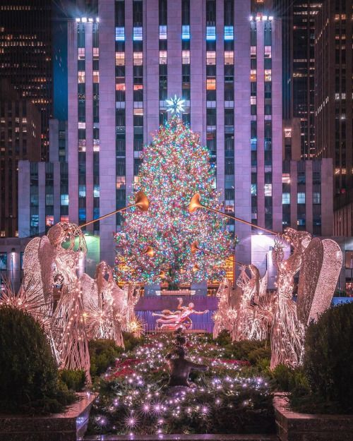 1000 ideas about new york christmas on pinterest rockefeller center new york city and times. Black Bedroom Furniture Sets. Home Design Ideas