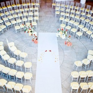 20 Wedding Ceremony Traditions You Can Skip - Seating Arrangement  some interesting ideas for a country themed wedding you could make a horse shoe banner, for seating you could use covered hay bales...:-)