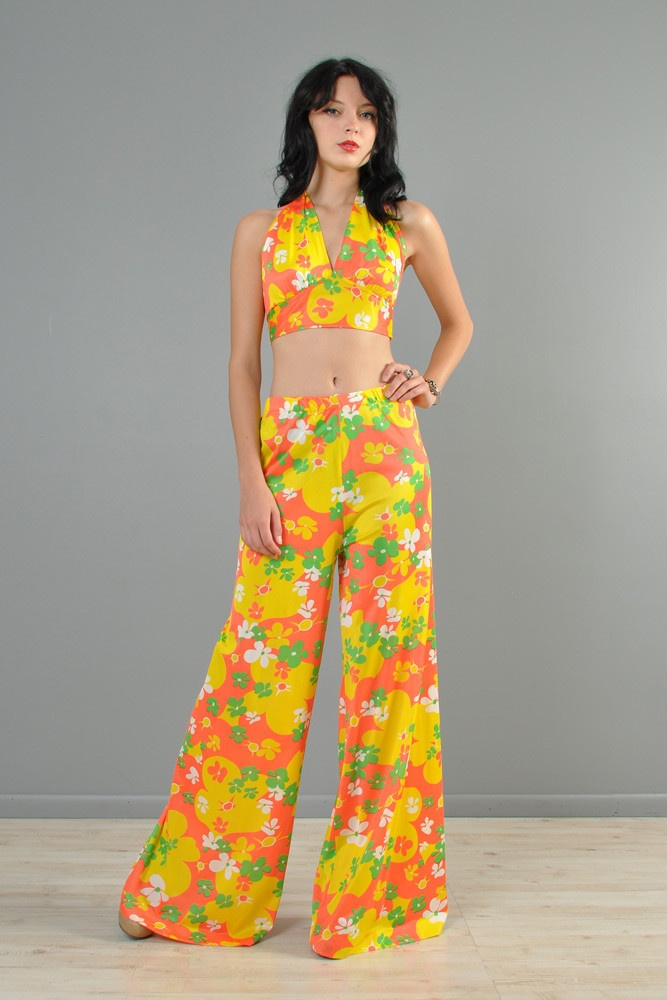 Vtg 70s Floral Bell Bottom High Waist Crop Top Mod Psychedelic Jumpsuit Pants | eBay  So cute. I never had an outfit like this but drooled over similar ones.