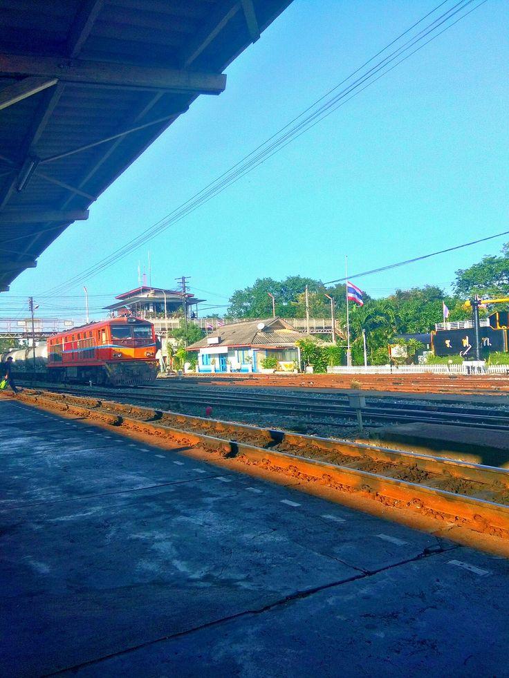 Alsthom   AD24C (ALS)   Diesel-Electric Locomotive   State Railway of Thailand   in phitsanulok station