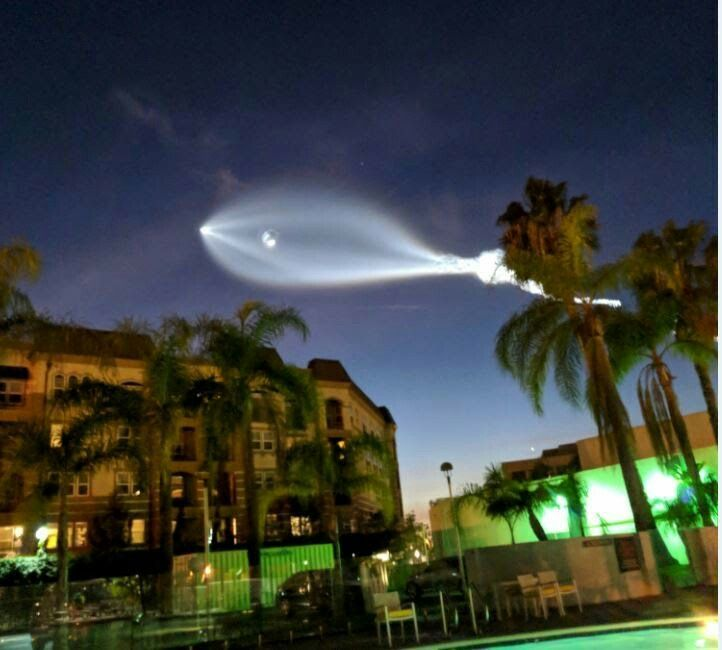 "UFO sighting? 12/22/17 in California.  A short time after the object's appearance, multiple local law enforcement agencies confirmed the light was from the rocket launch, which blasted off from Vandenberg Air Force Base along California's Central Coast.  ""SpaceX rocket launch from Vandenberg was the flash you saw in the sky! No cause for concern,"" the Ventura County sheriff tweeted."