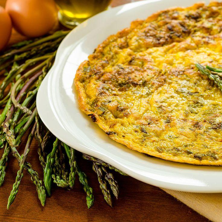 Tortilla de Espárragos trigueros. #Recetaparacomerbien rápida y fácil de hacer.