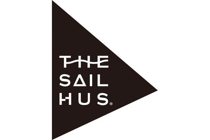 今年の夏は葉山・一色海岸へ!〈ヘリーハンセン〉が海の家「ザ・セイルハウス」をオープン!オリジナルグッズの販売も   〈ヘリーハンセン(HELLY HANSEN)〉と、場所に繋がりを生み出す「FMG株式会社」がコラボした海の家「ザ・セイルハウス(THE SAIL HUS)」が登場。2017年7月7日(金)~8月31日(木)の期間、葉山・一色海水浴場にオープンする。    ヨットハーバーをコンセプトに掲げる「ザ・セイルハウス」は、ヘリーハンセンがプロデュースしたリサイクルセールを使用した屋根や、大きな...