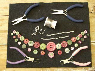 A Button Necklace Tutorial