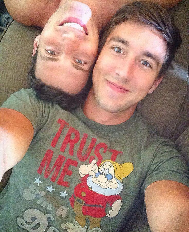 video Gay cuddle