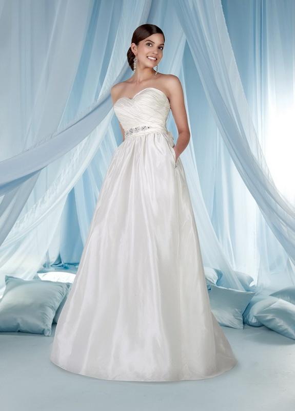 345 best A-line Wedding Dresses images on Pinterest | Wedding frocks ...