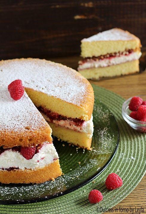 Victoria Sponge Cake o Victoria Sandwich Dulcisss in forno by Leyla