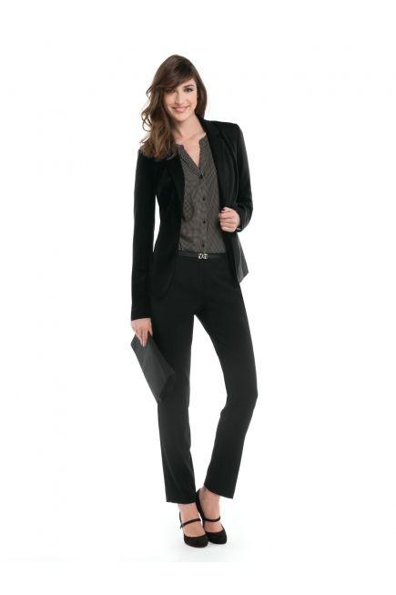 Black suit / Tailleur noir http://www.jacob.ca/look-519