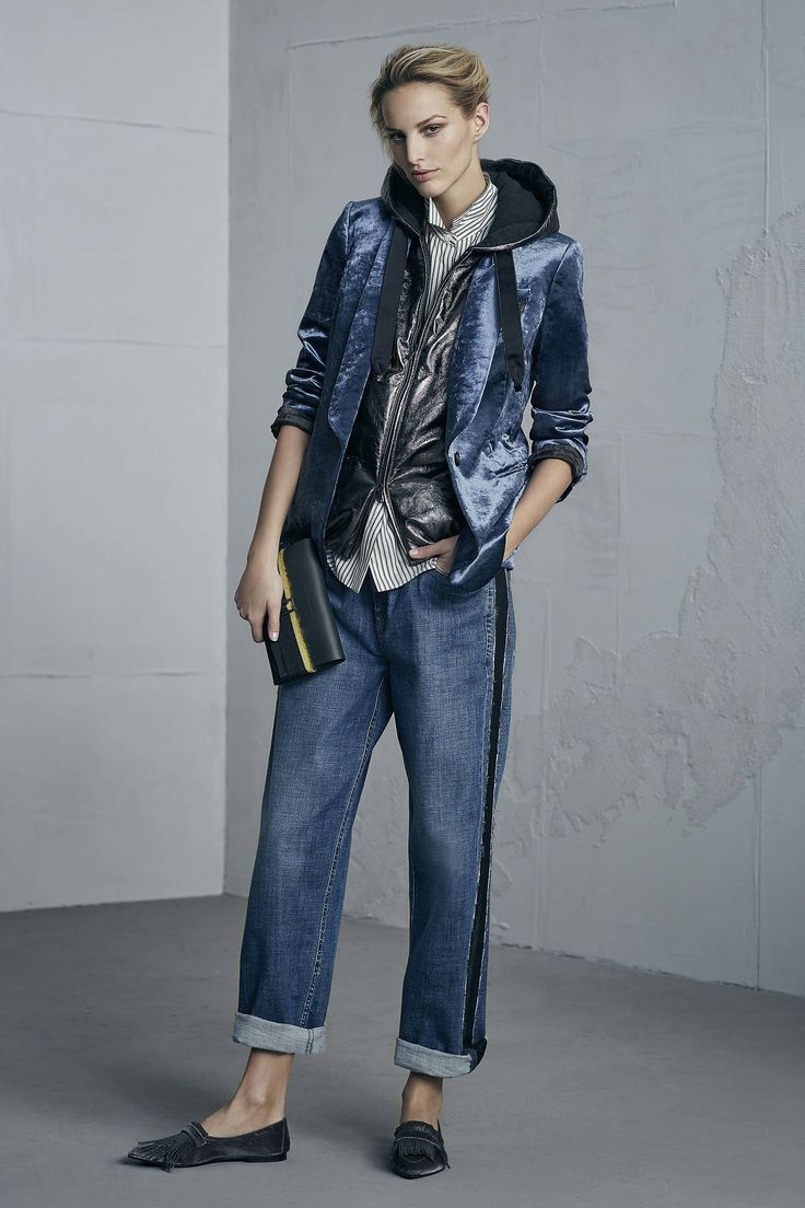 http://www.vogue.com/fashion-shows/fall-2017-ready-to-wear/brunello-cucinelli/slideshow/collection