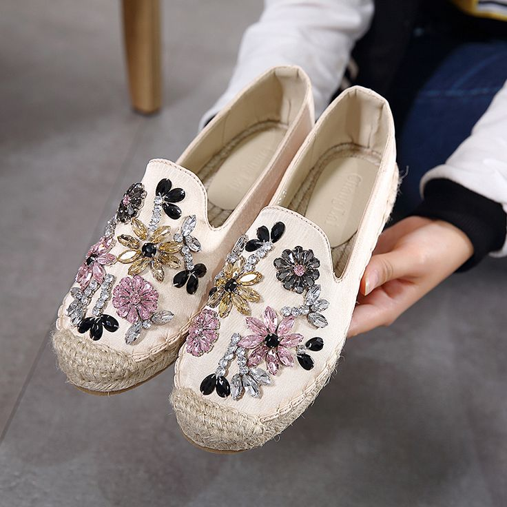 Slipony Women Size 9 Flat Shoes 2017 Ladies Espadrilles Brand Designer Bling Rhinestone Ballet Flats Loafers Horsebit Oxford