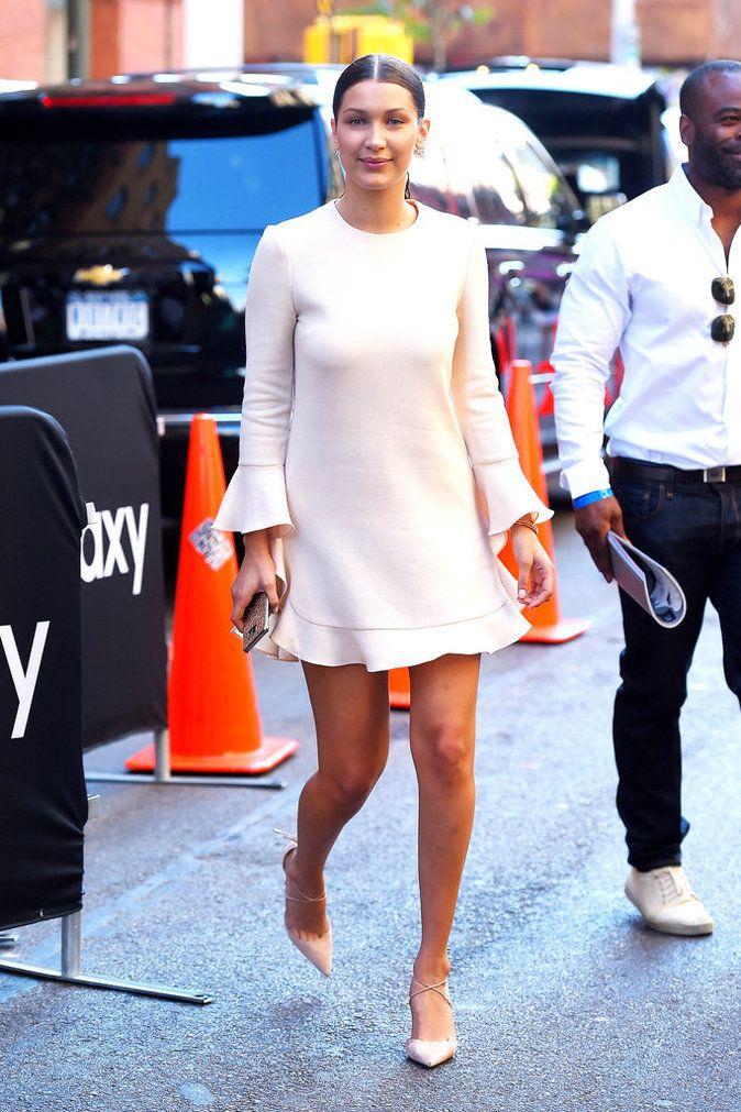 Photos : Bella Hadid : du look sportif et minimaliste, à la robe glamour et…