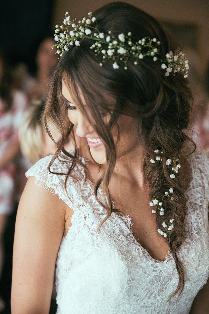 Truth & Tales - real wedding - getting ready - dress - bride - mother of the bride - Niagara wedding photography - www.truthandtalesstudio.com