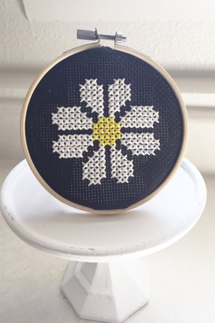 Daisy cross stitch