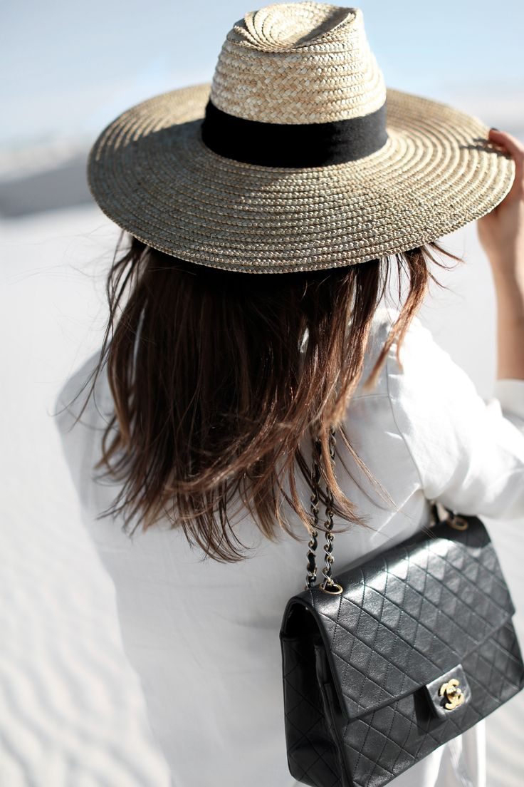 Classical Black & White Look with Chanel Bag | Preloved Fashion ♥ Catchys