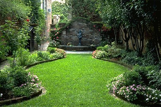 A small courtyard garden in Charleston, South Carolina. The narrow, deep lots present challenges and opportunities.: