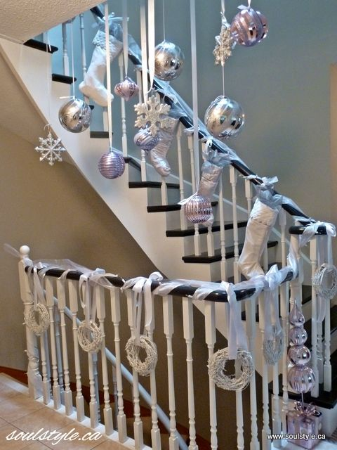 17 best images about entryway foyer on pinterest for How to decorate a banister