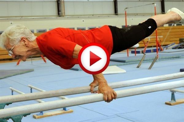 86-year-old Johanna Quaas on gymnastic bars #records, #seniors, #sports, #videos, #pinsland, https://apps.facebook.com/yangutu