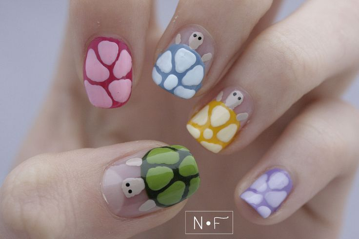 Cutest turtle Animal Nail Art
