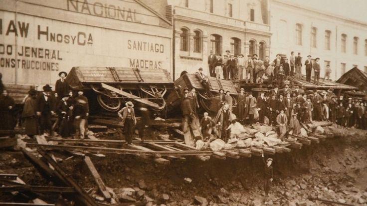 Inundación de las calles de Valparaíso, ca. 1905 Técnica Gelatino bromuro/ 28 x 21 cm Colección MHNV