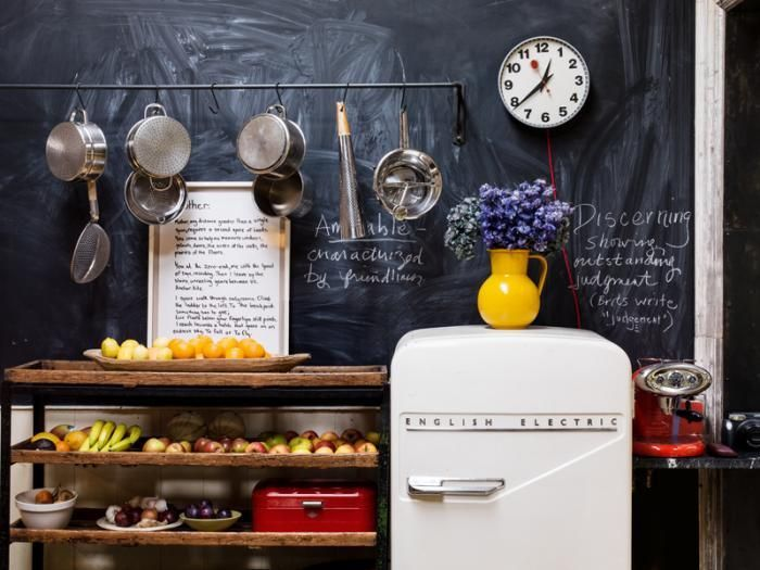 I love the idea of having a blackboard effect wall in the kitchen, you can write fun and quirky messages or simply write reminders and lists. Fab. The retro look is fab too, especially the fridge.