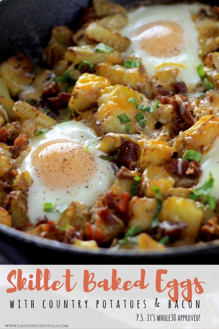 Skillet Baked Eggs with Potatoes and Bacon  #breakfast #eggs #easybaconandeggs