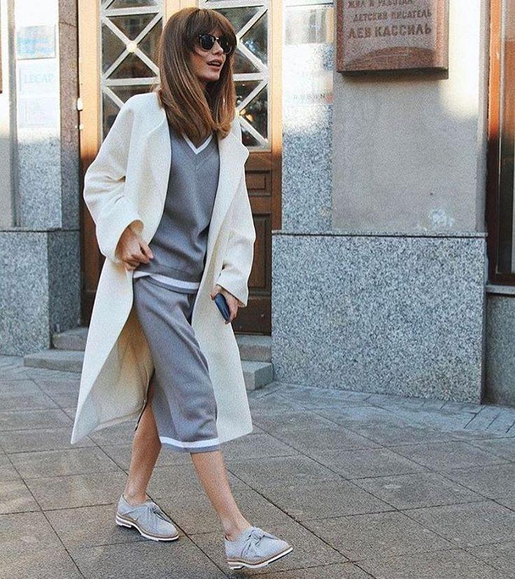 1,294 отметок «Нравится», 4 комментариев — РЕ(ПЕ)❤️ (@pe_for_girls) в Instagram: «Теплый вязаный костюм с юбкой и пальто с накладными карманами молочного цветаВ ограниченном…»