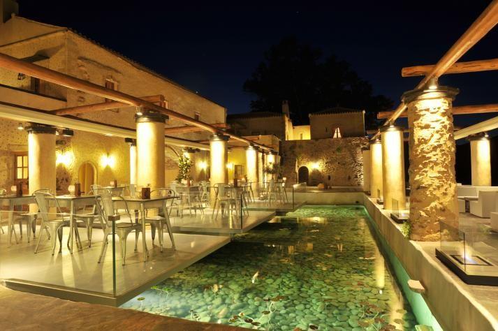 The Kinsterna Restaurant at the Kinsterna Hotel & Spa in Monemvasia, Greece www.mediteranique.com/hotels-greece/monemvasia/kinsterna-hotel-spa/