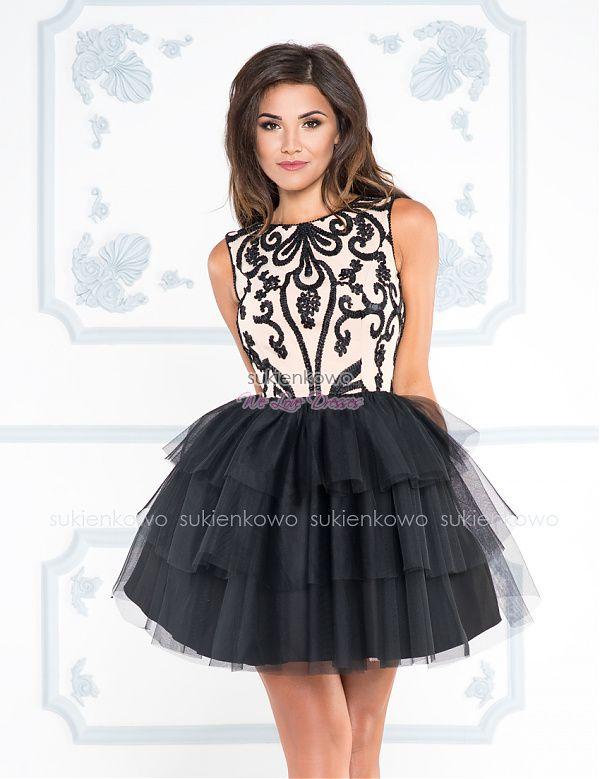 cad58aa4 Sukienkowo.com - LOLA - Rozkloszowana sukienka z falbanami i koronką ...