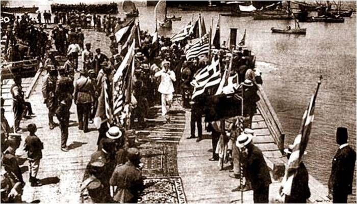 ABD'nin İzmir'in işgalinde USS Arizona ve üç tane daha savaş gemisiyle düşman işgal kuvvetlerine koruma desteği sağladığını biliyor muydunuz?