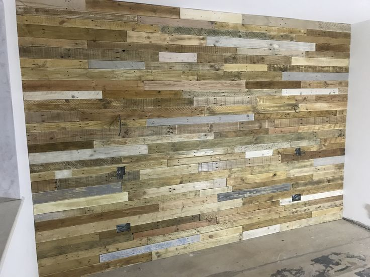 Reclaimed Pallet Accent Wall