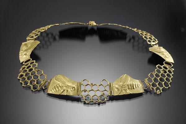 Linda Kindler Priest - Honey Bee Progression Necklace: 14k gold