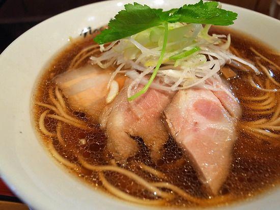 曙橋「ちとせ」醤油(細麺) : ラーメン食べたら書くブログ http://blog.livedoor.jp/next_step_to/archives/51897951.html