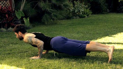 Du yoga avec Adam Levine? - People-Web-VIP's blog - Skyrock.com