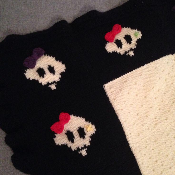 Knitted skulls