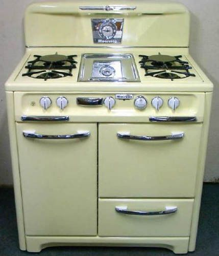 I love vintage stoves!                                                                                                                                                                                 More