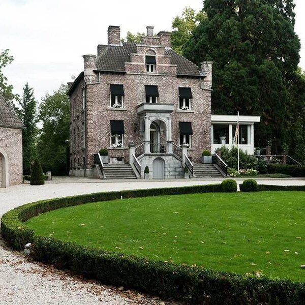 Kasteel Hattem (smallest castle in the Netherlands ). Present day an hotel.