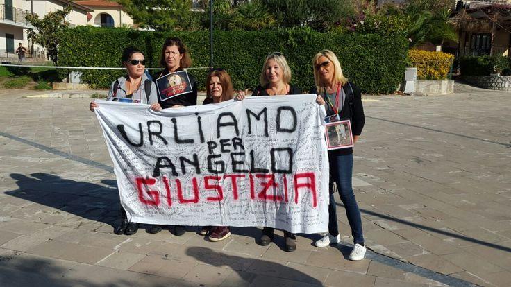 """Il FOS-team presente a Sangineto (Cosenza) in Calabria, per il corteo di manifestazione per chiedere giustizia per il cane """"Angelo"""". #UnitiperAngelo"""