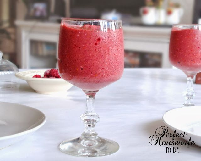 Healthy and delicious raspberry chocolate smoothie #health #smoothies #foodblog