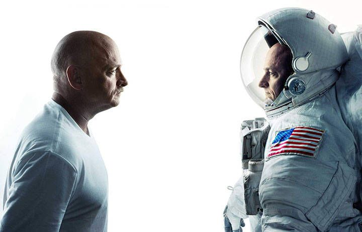 NASA astronaut Scott Kelly (R) and his identical twin former astronaut Mark.